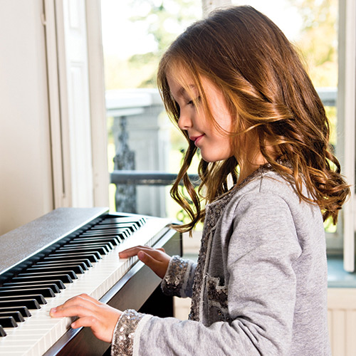 Choosing the right piano for beginners - Digital Piano Buyers Guide | Roland UK